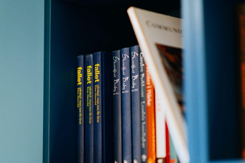 colección de libros para la cubierta de los niños
