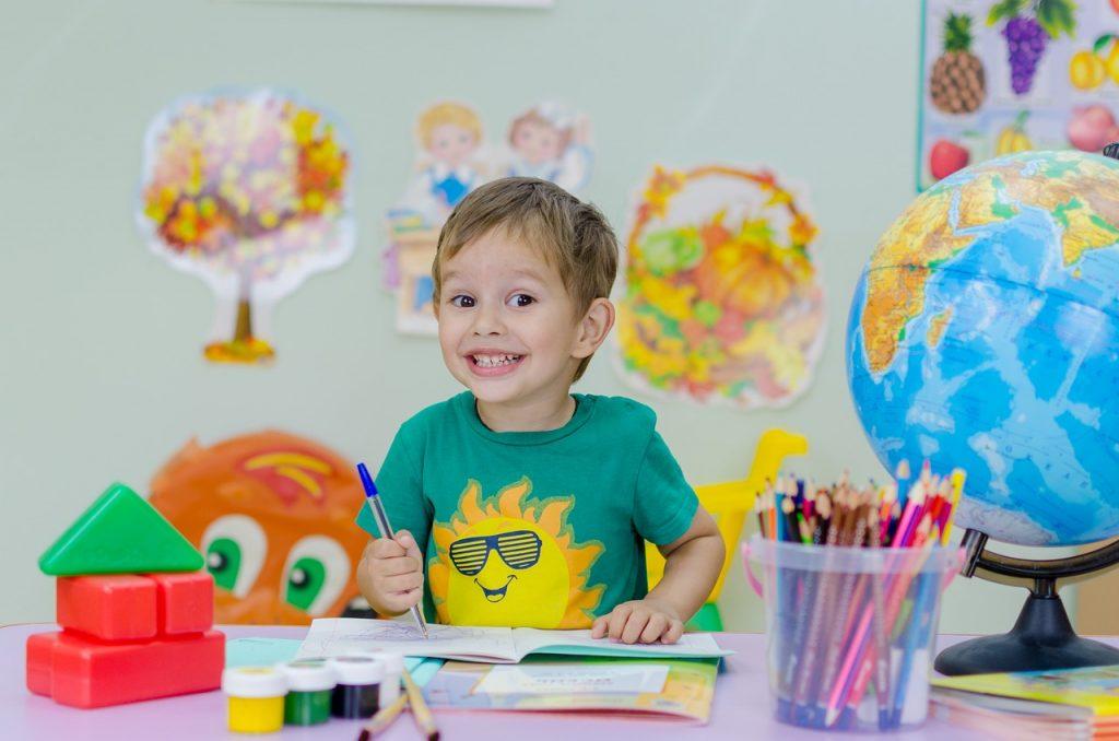 niños, escuela, emociones-2835430.jpg
